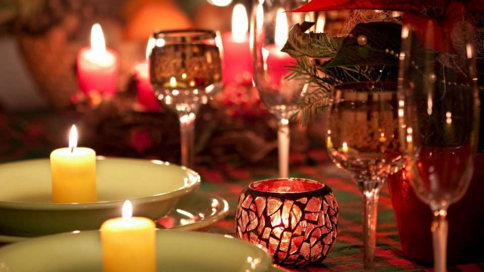 How to do a candlelight dinner